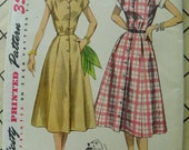 Pretty Pretty Pretty Simple to Make Dress Pattern Simplicity 4260