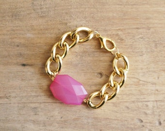 Chunky Gold Chain Bracelet with Fuchsia Hot Pink Charm, Lightweight Bracelet