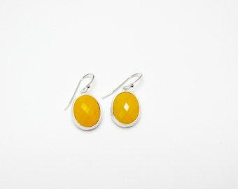 hammered yellow earring , yellow stone earring , canary yellow earring , yellow drop earring , bridesmaid earring , yellow dangle