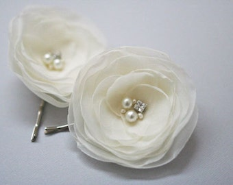 "Ivory Bridal Flower Hair Clips (2 pcs) Wedding Hair Flowers Ivory Organza Flowers Bridal Headpiece Wedding Hair Accessories 2.5"" flower"