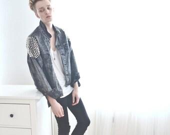 Studded Levi's Acid Wash Denim Jacket - Oversize Boyfriend - Shoulders Vintage Grunge Punk - Women's / Men's