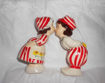 Kissing Dutch Couple Salt & Pepper Set Vintage 40s Classic Red And White Candy Cane Striped Large Sized Shakers
