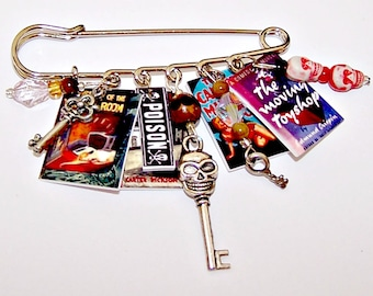 LOCKED ROOM MYSTERY Wearable Art Pin