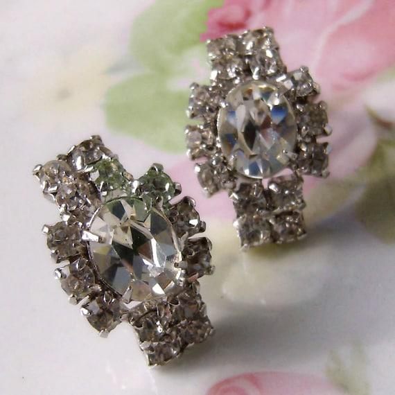 SALE  Vintage Faux Diamond Crystal rhinestone Earrings