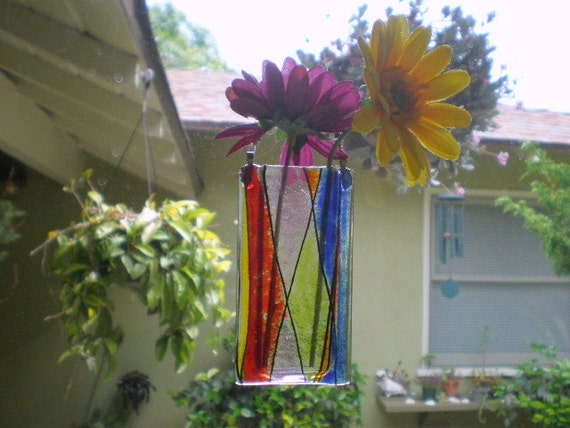 Colors one-of-a-kind Vase - Hangs on a window or wall, holds water and flowers