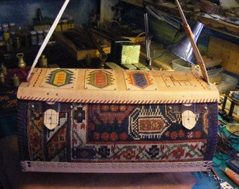 Carpet Bag in antique persian rug, natural leather