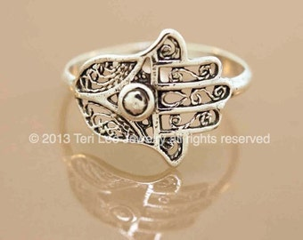 SALE Favorite Filigree Hamsa
