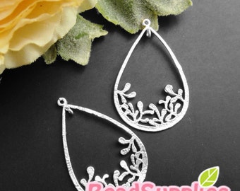 Ch-ME-09246-  Matted Silver plated, Special and Unique, Teardrop with leaves charm, 4 pcs
