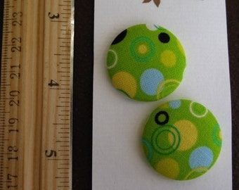 """Wearable Sew On Fabric Covered Buttons - Size 45 or 1 1/8"""" Circles on Green"""