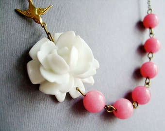 White Flower Necklace,White Floral Necklace,Flower Necklace,White Necklace,Pink Necklace,Wedding Necklace,Bridesmaid Necklace,Gift For Her