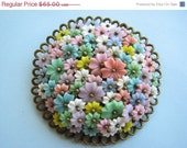 SALE Huge Vintage celluloid flower cluster brooch, pastel plastic daisies, haskell style, unsigned floral pin