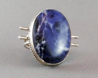 Silver ring. Sodalite stone. SIZE: 7,5