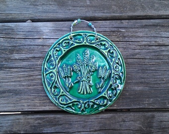 Celtic Wheatsheaf Ceramic Tile in Dark Green