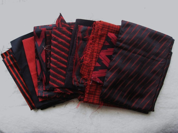 "Vintage Japanese Kimono Silk Fabric Bundle Mix 1 lb ""Reds and Blacks"""