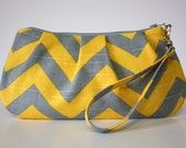 Zip & Go Wristlet / Gray and Yellow Chevron