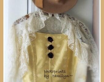 Bustier, Costume,Size 38 bust, Large,HONEY, Zip Back, Boned, reinactment days, period clothing,Goldish, Cotton lining, roses