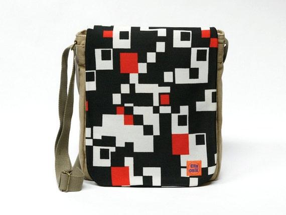 Kacy - canvas messenger bag upcycled with original vintage fabric