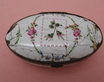Reduced Antique Bilston or Battersea Enamel Patch Box