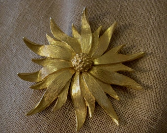 Giant Goldtone Sunflower Pin/Brooch