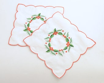 Vintage Christmas Linens Embroidered  Holly