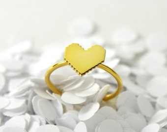Mini Pixel Gold Heart Ring // Dainty Little 8-Bit Nerdy Retro Gold Heart on Thin Band // Geeky Gamer Ring