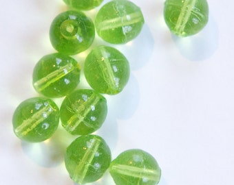 Vintage Translucent Green German Glass Beads 10mm grm045D