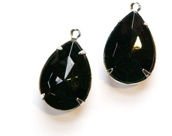 Vintage Faceted Black Glass Teardrop Stones 1 Loop Silver Plated Setting 18x13mm par006RR