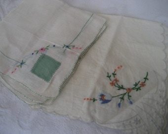Lot of 2 VINTAGE Embroidered Flower Handkerchiefs