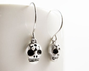 Very tiny Day of the Dead earrings, sugar skull earrings,  Día de los Muertos earrings, Halloween, calaveras earrings sterling silver