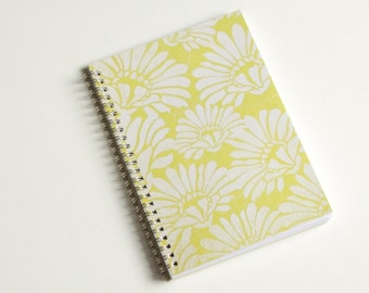 Large Coupon Organizer with 14 Pockets - Pre Printed Labels Included - Lemon-Lime with Flourish