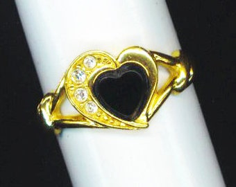 Vintage Onyx Golden Ring . Halloween Heart .  Black Onyx Heart . Cubic Zirconia . Valentine's day  - Romantic Story by enchantedbeas on Etsy