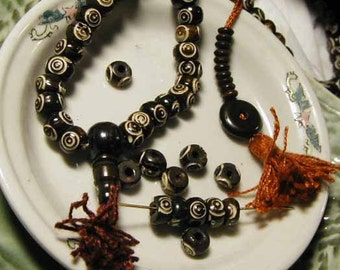 Dark Brown and White Bone Mala - 108 beads - BTK227M - Eye Bead