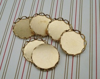Brass 13mm Medium Size Scallop Lace Edge Round Settings for your Flat Back Jewels or Cabs (12 pieces)