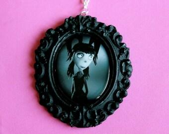 Elsa Van Helsing Frankenweenie Cameo Necklace