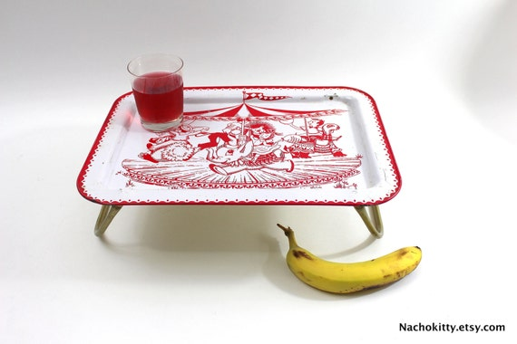 1950s childs tray baby nursery decor red white by nachokitty for Baby tray decoration