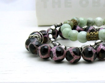 Berry Pink and Black Spotted Agate Minimalist Beaded  Bracelet,   Pink and Black Agate Stretch Bracelet, for Her Under 40, US Free Shipping