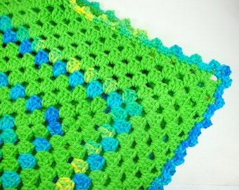 Vintage Lap Afghan Blanket, Crochet Table Topper, Throw, Green  (74-13)