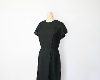 vintage 50s Ladies Day Dress Little Black Dress Two Button Front Classic Frock
