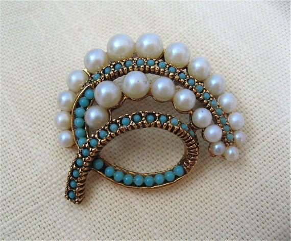 Vintage Turquoise and Pearl Pin
