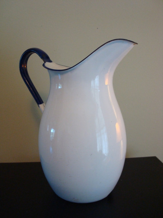 Large Vintage White Enamelware Pitcher With Cobalt Blue Trim