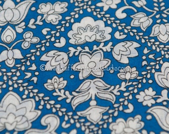 Dutch Folk Art - Vintage Fabric 60s Cottage Atomic New Old Stock Tulips Daisies Mid Century