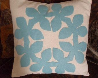 Tropical Hawaiian Quilt Design Seafoam Aqua Blue Maile Lei Felt Applique Pillow Cover 18 x 18 inches