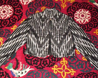 Vintage Exceptional Embroidered and Quilted UZBEK Silk Ikat Bolero Jacket Black and White SZ 10 to 12
