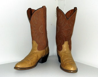 Vintage Acme brand Cowboy Boots size 10.5 B in a two tone light tan brown