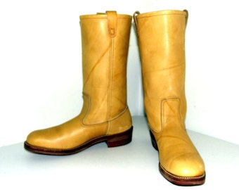 Campus style light tan cowboy boots size 10 C or cowgirl size 11 to 11.5