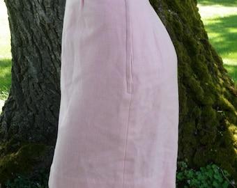 Cute vintage tailored herringbone pink wool pencil skirt