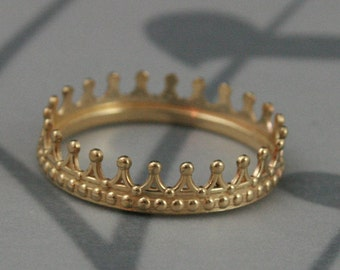 Solid 14K Yellow Gold Crown Band--Check Mate--Gold Crown Ring--Queen or King Wedding Band--made to size