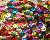 SEQUINS - 8mm Metallic Cupped Sequins - Rainbow Mix