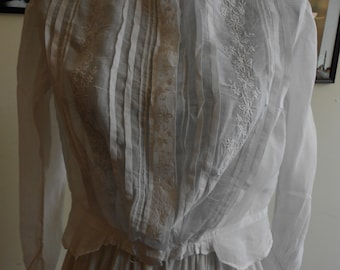 """1900, 38"""" bust, sheer linen """" pigeon breasted"""" blouse."""