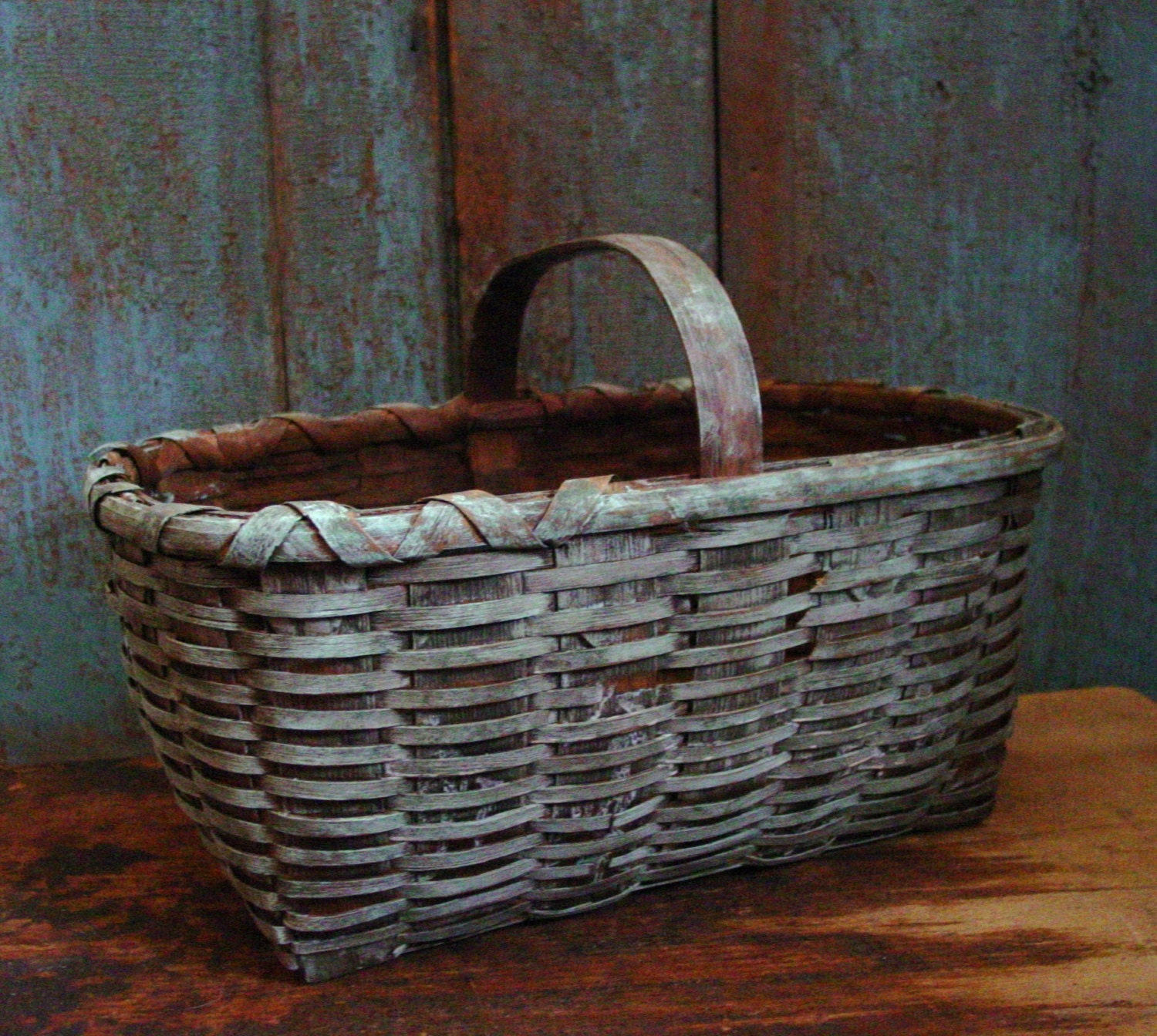 antique primitive wood splint painted basket market basket. Black Bedroom Furniture Sets. Home Design Ideas